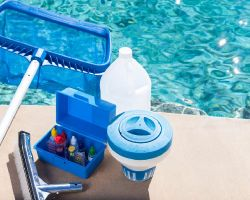 Baseinu ķīmija, tīrīšanas un apkopes līdzekļi